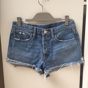 ✨ Urban Outfitters BDG Mid-rise Jean Shorts ✨